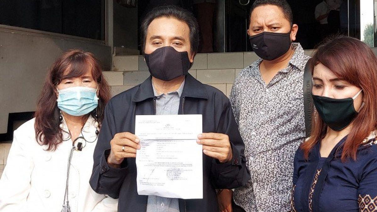 Roy Suryo Laporkan Pesinetron Lucky Alamsyah ke Polda Metro
