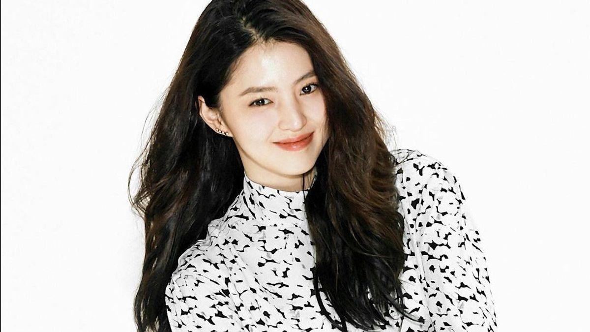 Han So Hee Jatuh Pingsan, Agensi Yakinkan Kondisinya Baik