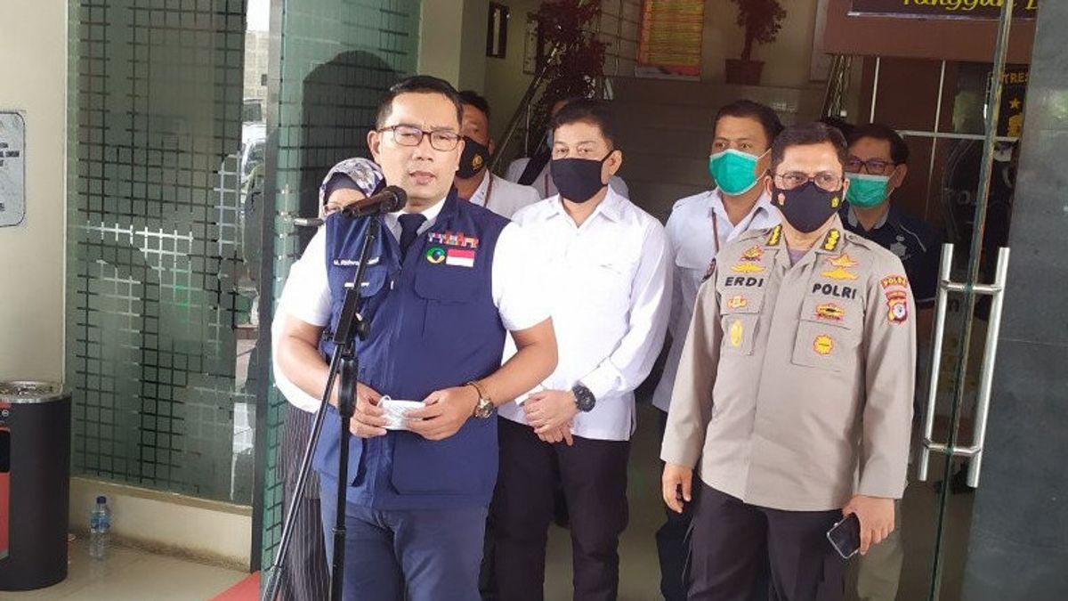 Ridwan Kamil Balas Cuitan Mahfud MD: Pusat-Daerah Harus Tanggung Jawab, Kenapa Kerumunan Bandara Tak Diperiksa?