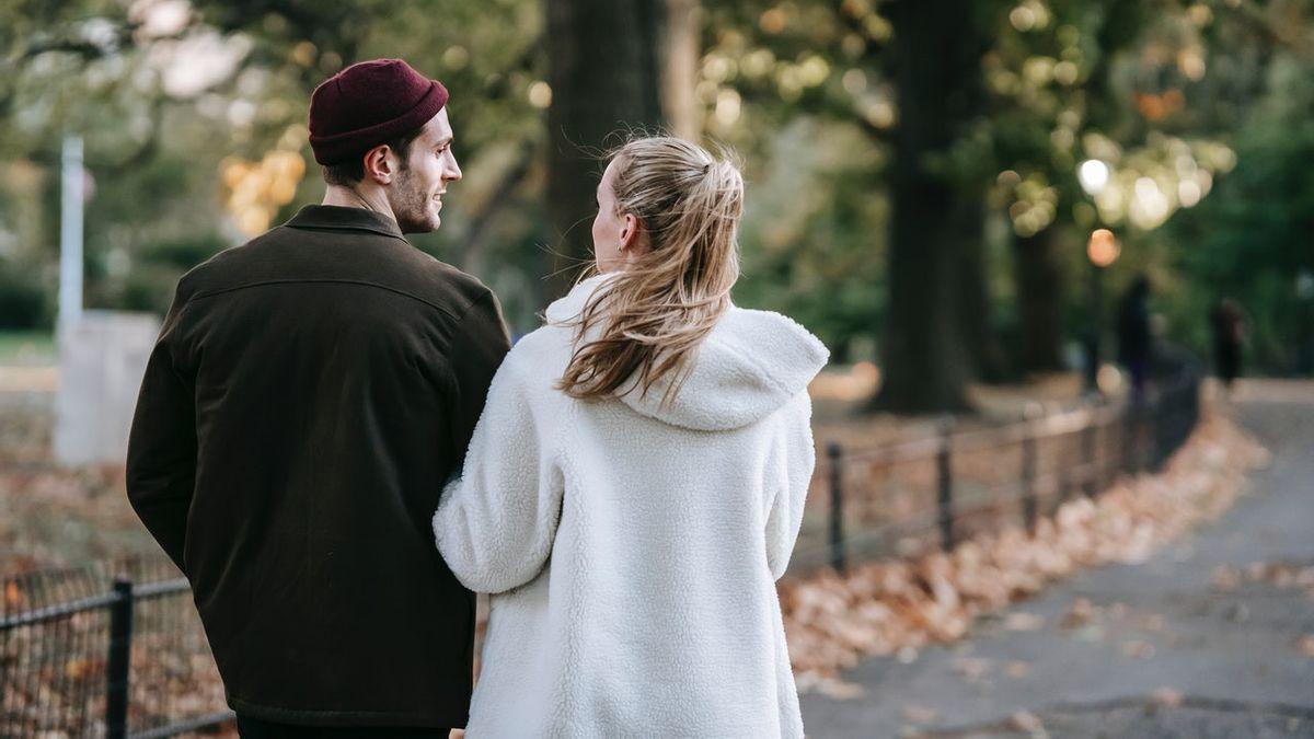 7 Kalimat Romantis yang Ampuh Bikin Wanita Baper