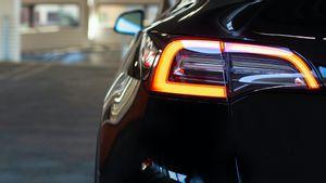 Tesla Berencana Produksi Sendiri Baterai untuk Model Y
