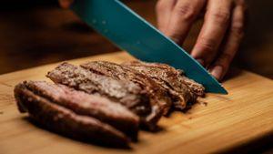 Kolesterol Jauh, Begini Tips Mengonsumsi Daging saat Iduladha