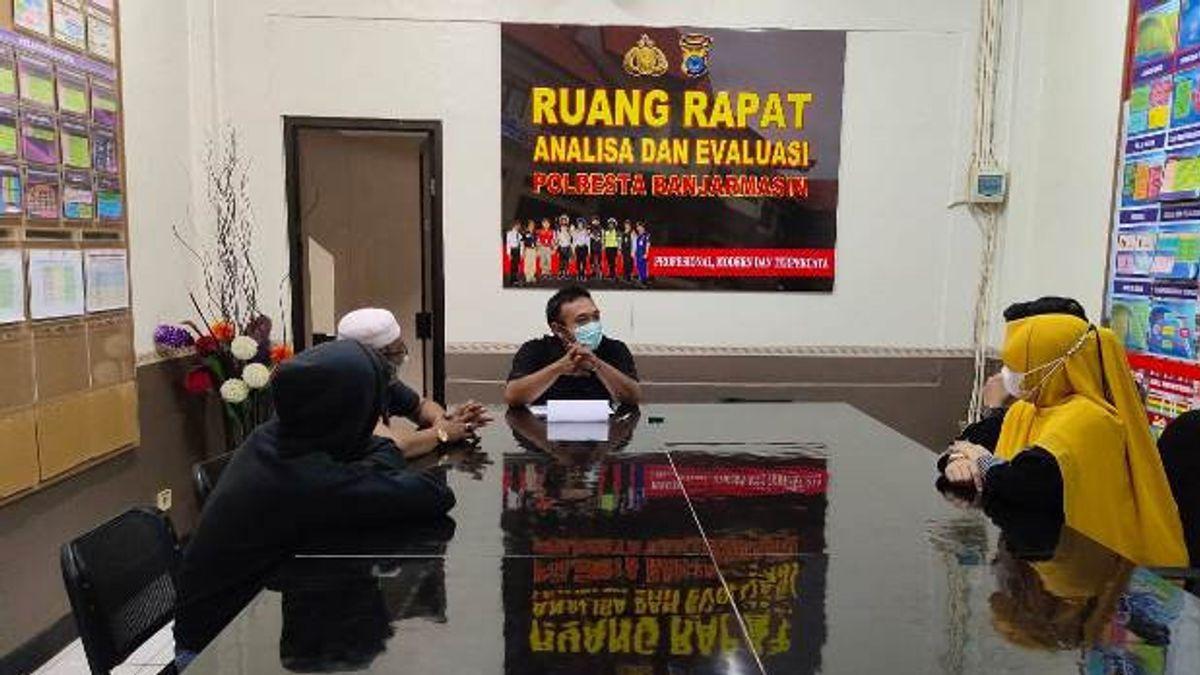 Viral Remaja </i>Freestyle</i> Angkat Ban Motor di Banjarmasin, Dipanggil Polisi Bareng Ortu