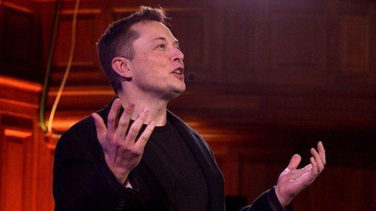 Elon Musk Bantah Pernah Berniat untuk Geser Posisi CEO Apple Tim Cook
