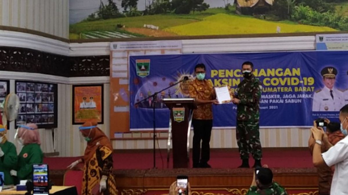 The Governor Of West Sumatra Asks Its Citizens Not To Be Eaten By The Covid-19 Vaccine Hoax: MUI Has Declared Halal
