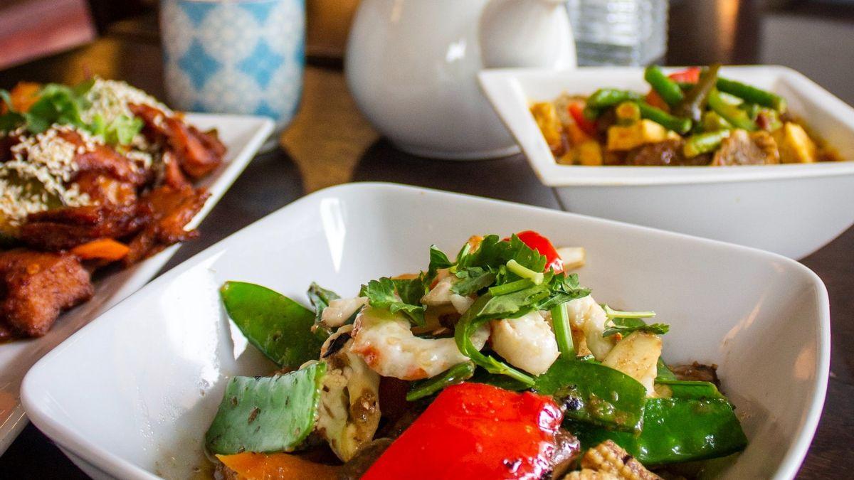 Saat Malas Masak, Ikuti 8 Tips Cerdas Memilih Makanan Sehat di Restoran