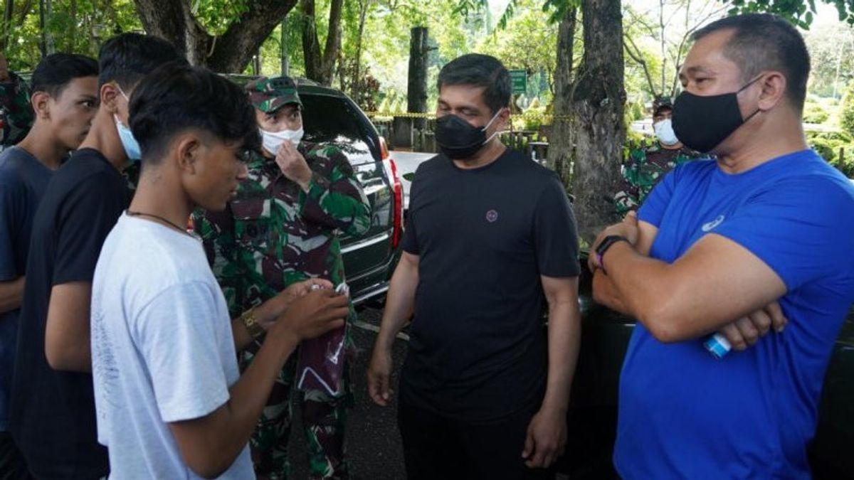 Pangdam Udayana Maruli Simanjuntak Tegur Remaja Pelanggar Prokes di Denpasar