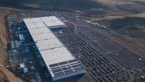 Bos Tesla Pamerkan Robot Pintar yang Bisa Memproduksi Baterai Listrik