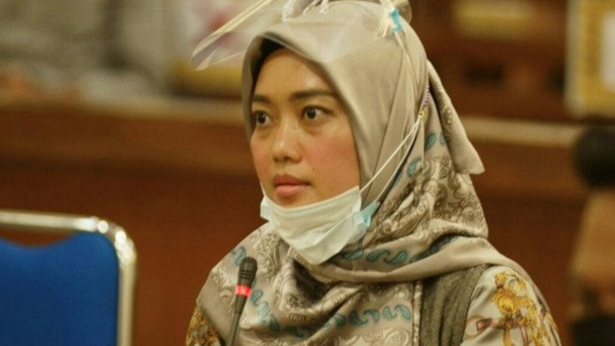 Called The Witness Receiving Rp1 Billion In Funds To Buy A PKB Ship, Lampung Deputy Governor Nunik Geleng-shook