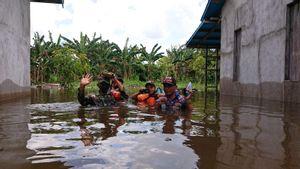 4 Desa di Kabupaten Ketapang Terendam Banjir, Warga Bertahan di Rumah Masing-masing