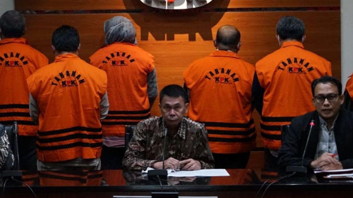 Reaktif COVID-19, KPK Titipkan Bupati Banggai Laut di Rutan Kantor Polisi Luwuk