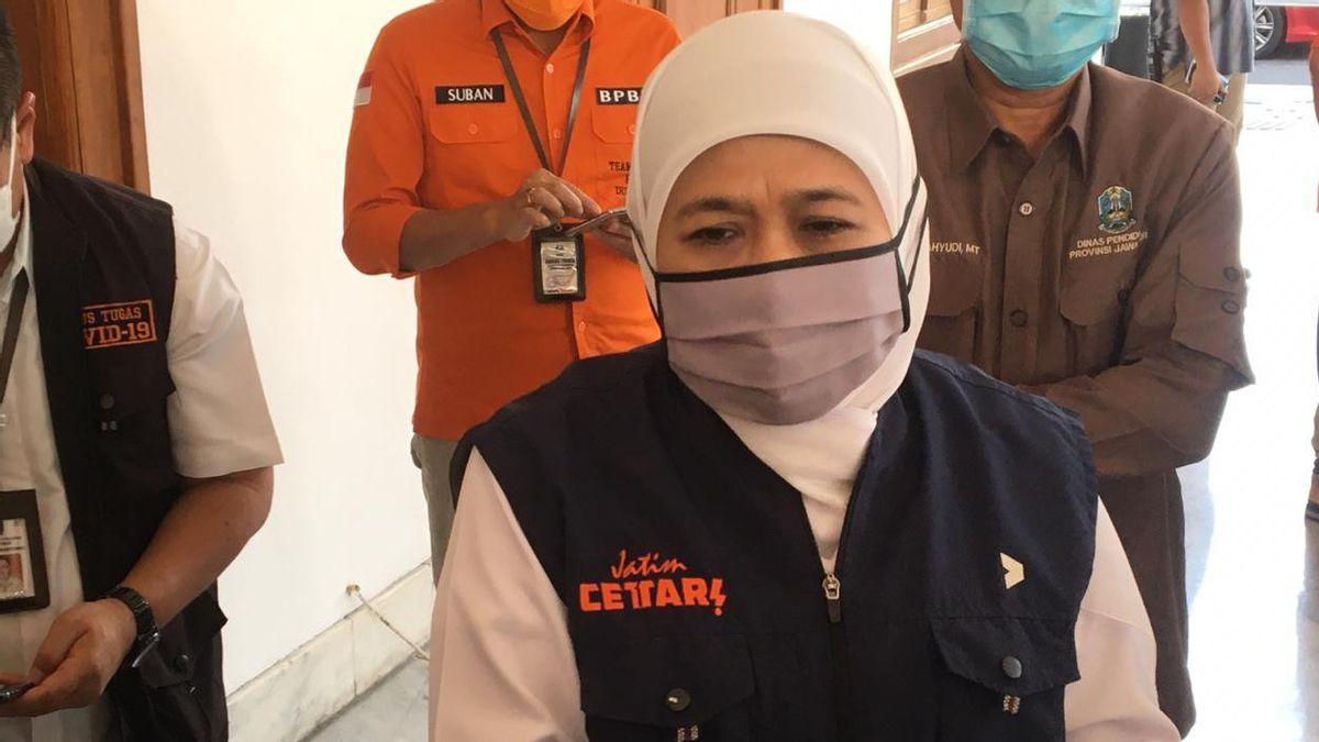 Disetop Risma, Khofifah Pakai ABPD Santuni Korban Meninggal COVID-19 di Jatim Rp5 Juta