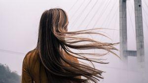 Tips Menghilangkan Uban di Rambut yang Ganggu Penampilan