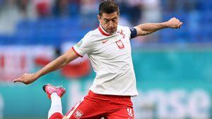 Pelatih Slovakia Sebut Mematikan Pergerakan Lewandowski Jadi Kunci Kemenangan Timnya
