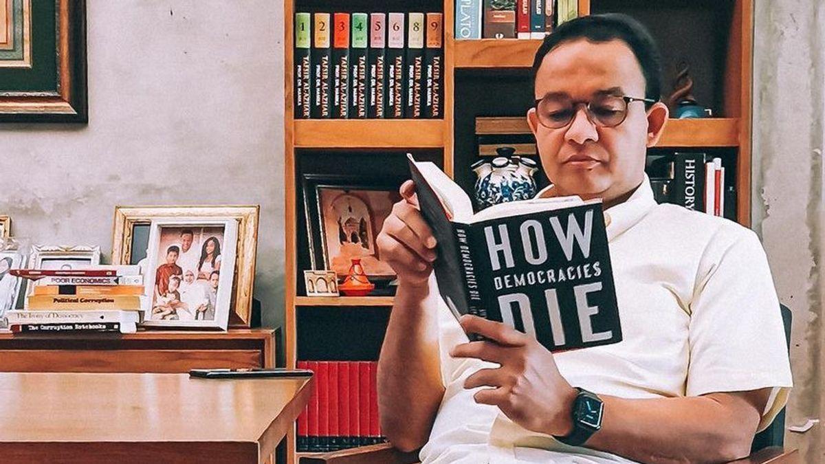 Pertanyaan Serius Ferdinand Untuk Anies Baswedan Kenapa Anak Buahnya Tak Dilarang Berafiliasi dengan FPI-HTI? Warganet: Jawab  <i>Dong</i>? Kenapa?