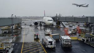 Pemerintah Terapkan PPKM Level 4 Jawa-Bali, Perhatikan Lagi Syarat Penerbangan