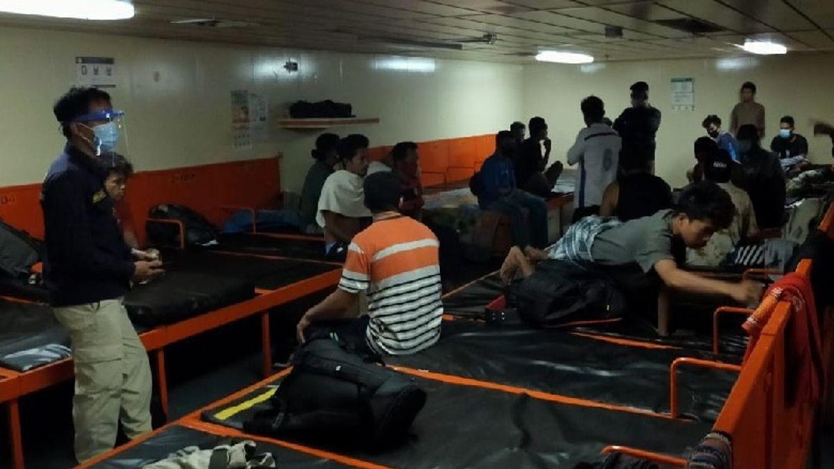 26 Penumpang KM Sinabung Dilarang Turun di Sorong karena Pakai Dokumen Kesehatan Palsu